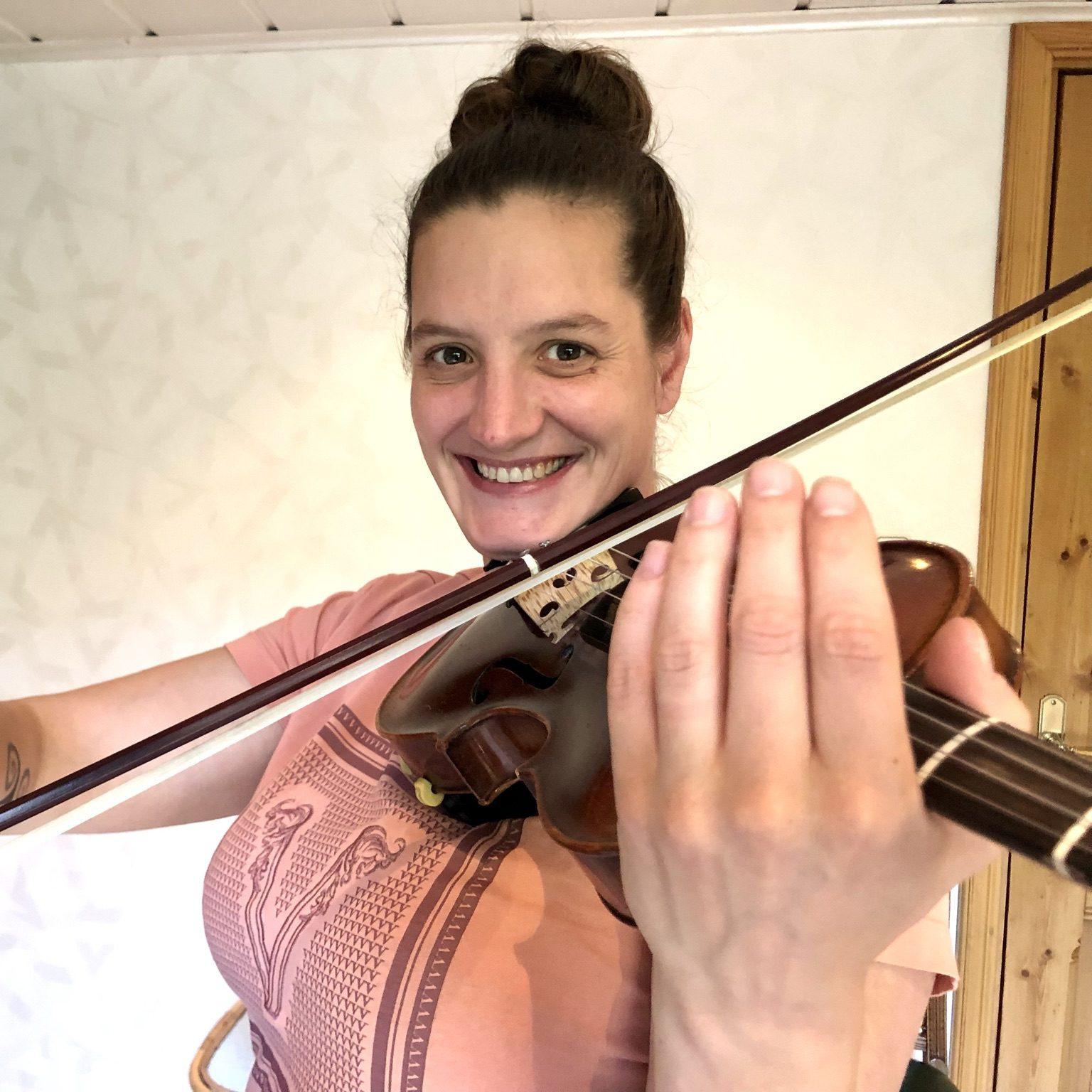 Didem vertelt waarom ze viool speelt