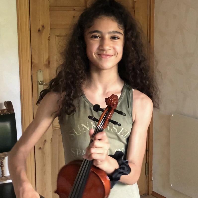 Sara vertelt waarom ze viool speelt